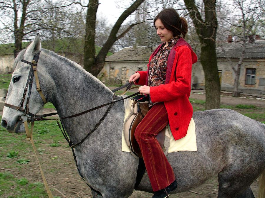 Полина на коне