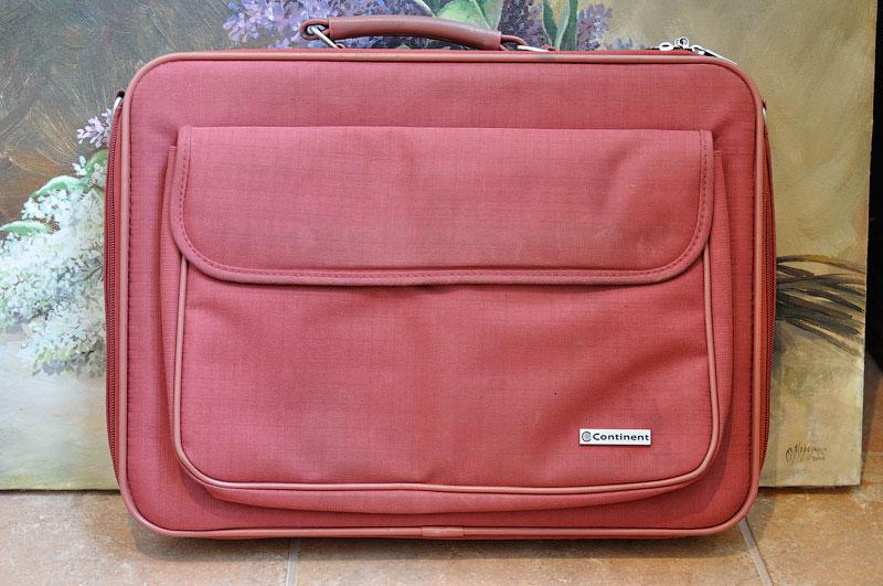 Красная сумка для ноутбука