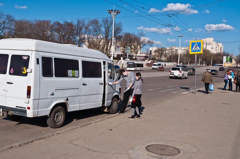 Мимы на улицах Тирасполя (7)
