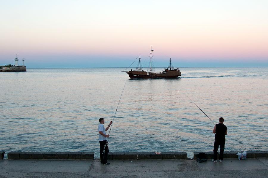 Кораблики в Ялте (4)