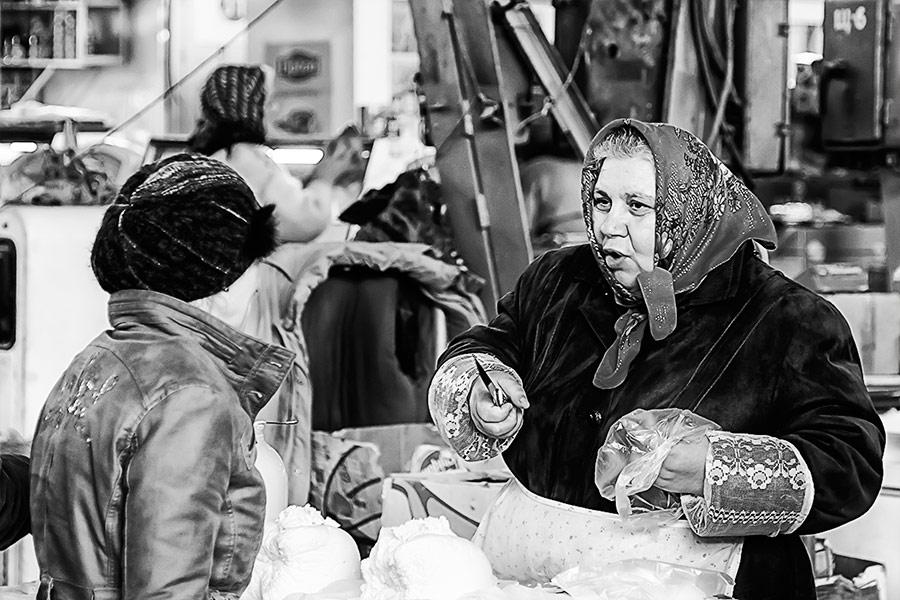 """На """"колхозном"""" рынке в Бендерах"""