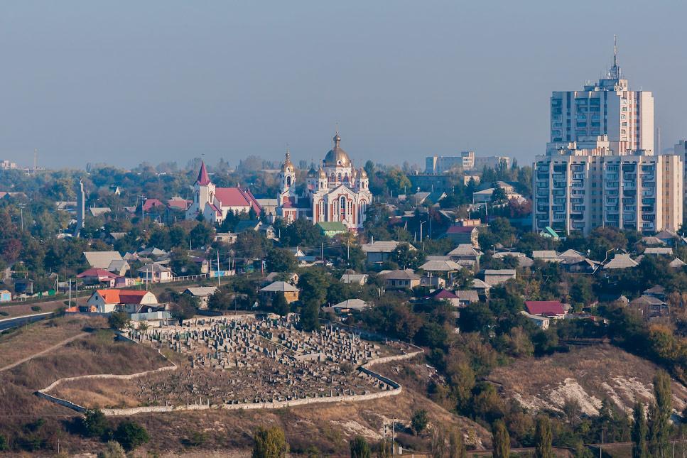 Рыбница - центральная часть города, улица Кирова