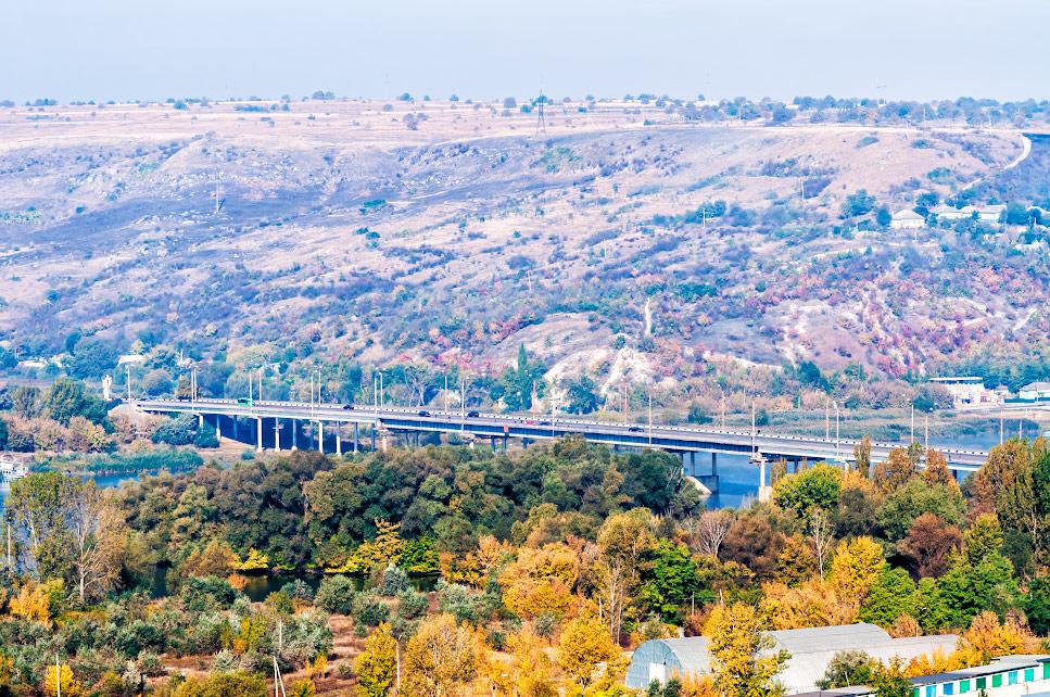 Мост между городами Рыбница (Приднестровье) и Резина (Молдова)