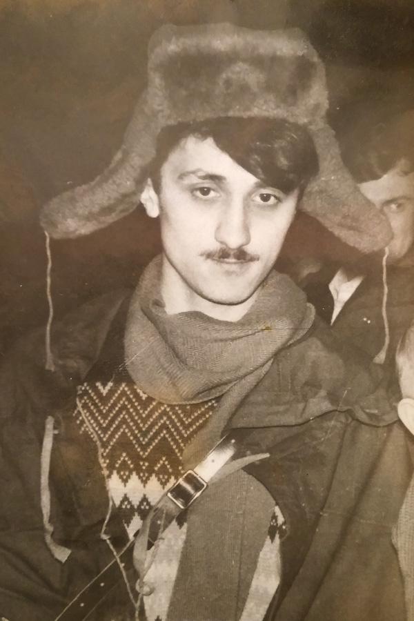 Александр Захаров в роли почтальона Печкина