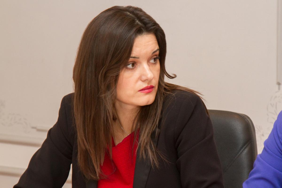 Министр Буланова
