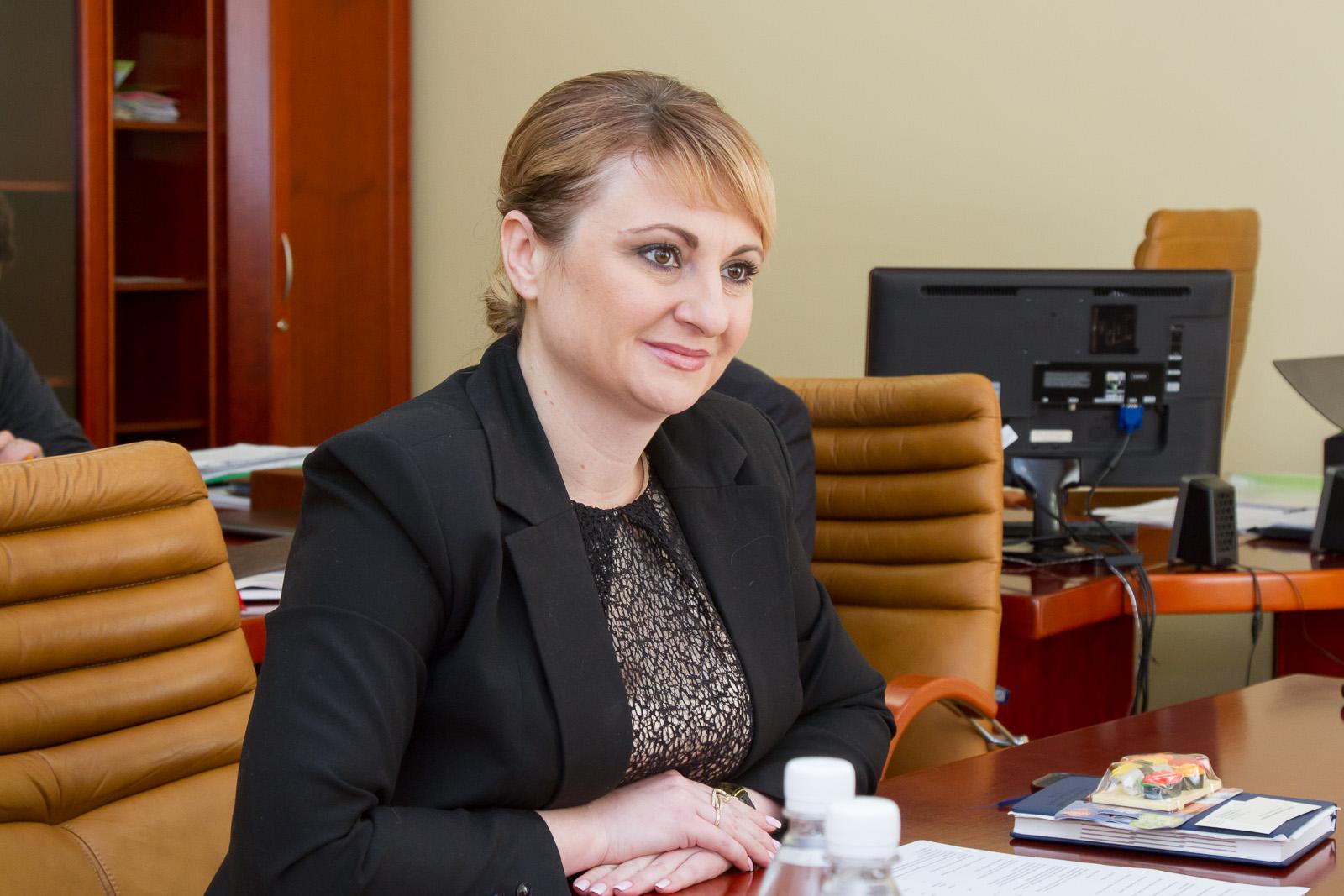 Экс-премьер Парнас